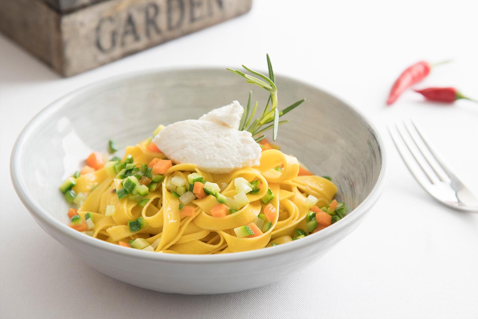 Ricetta Tagliatelle fresche con mirepoix di verdure e rosmarino fresco Senza Glutine