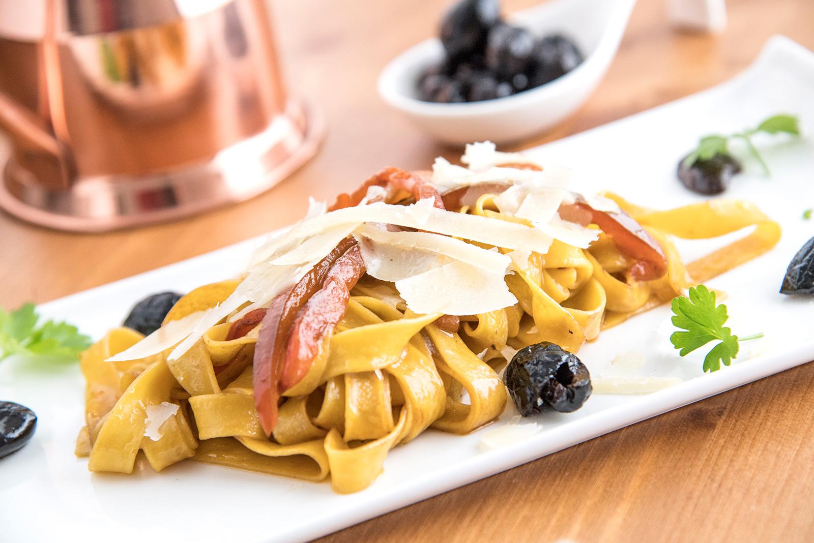 Ricetta Tagliatelle Senza Glutine con Olive e Peperoni - Pasta di Venezia