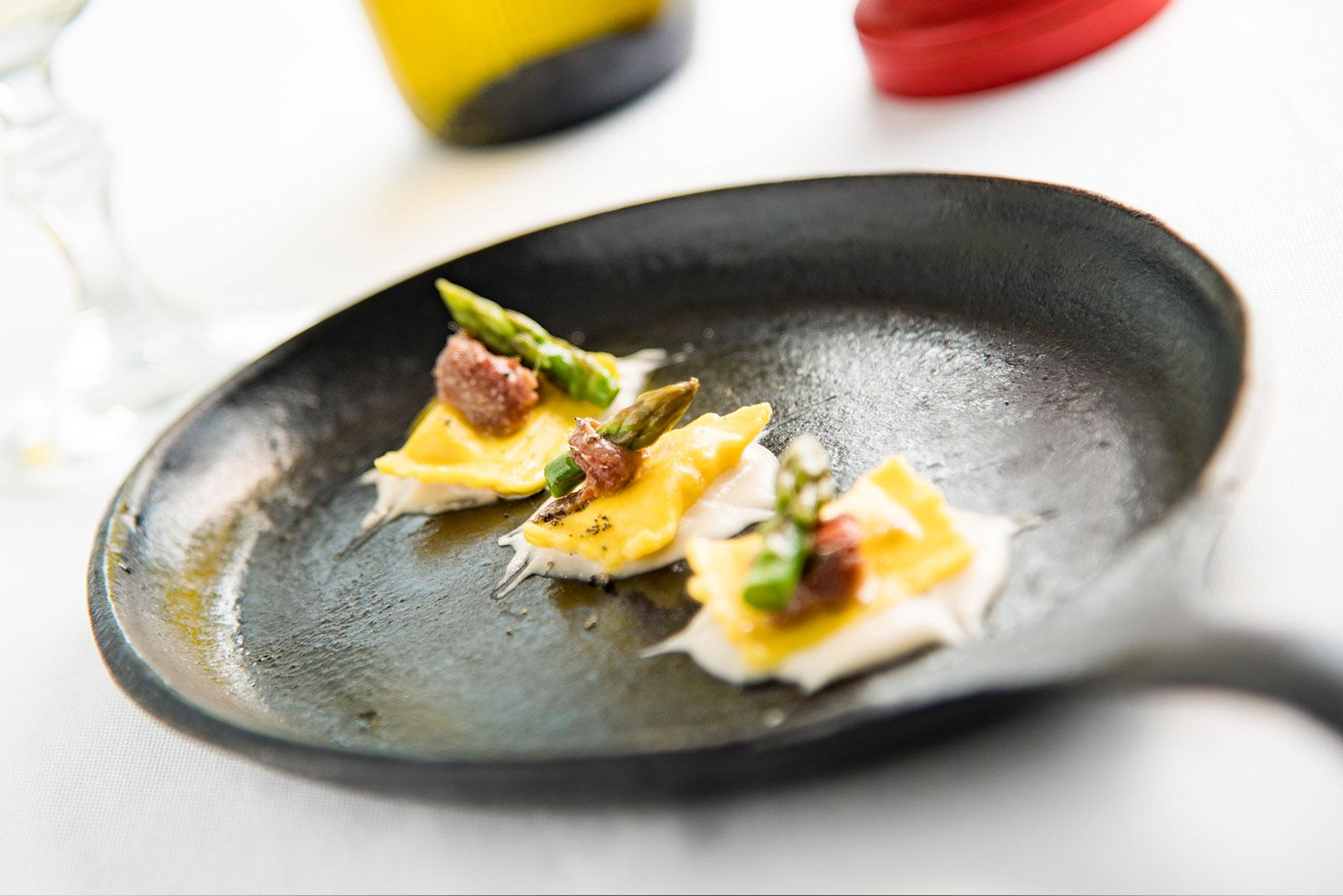 Bustini al brasato Senza Glutine con crema di fagioli cannellini ed asparago scottato - Pasta di Venezia