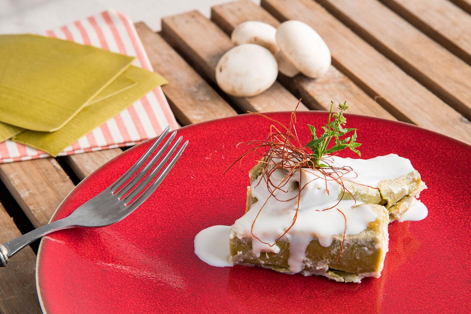 Cannellone Senza Glutine Verde all'uovo con Ricotta Vaccina, Funghi Champignon e Pinoli Tostati - Pasta di Venezia